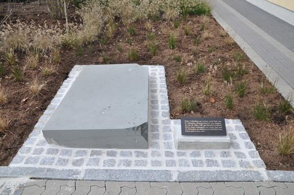 Denkmalenthüllung für 27 ermordete ungarisch-jüdische Zwangsarbeiter in Feldbach