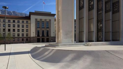 Historikerkommission: Vom Gauhaus zum Landhaus