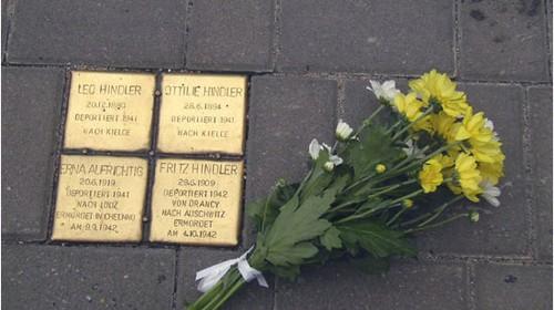 Enthüllung eines Steines der Erinnerung in der Josefstadt