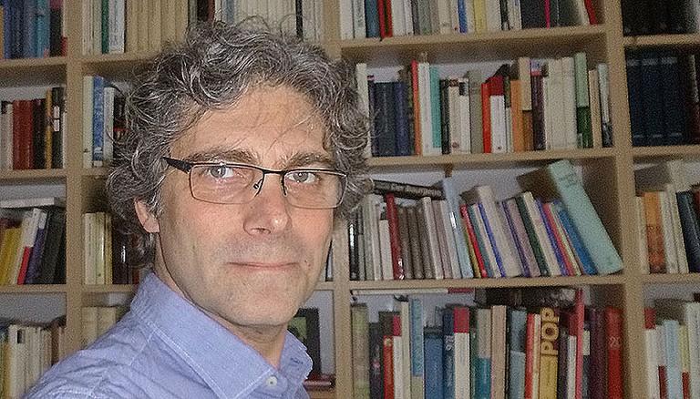 Univ. Prof. Dr. Thomas Hellmuth ist Professor für Didaktik der Geschichte an der  an der Historisch-Kulturwissenschaftlichen Fakultät der Universität Wien.