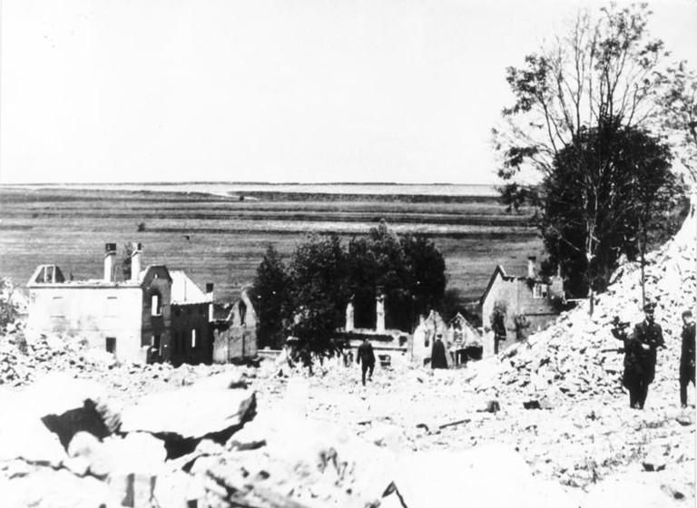 Lidice nach der Zerstörung 1942 (Foto:Bundesarchiv Bild 146-1993-020-26A - Gemeinfrei) )