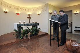 """Verteidigungsminister Darabos streicht SS-Verbrecher Vallaster aus dem """"Totenbuch"""""""