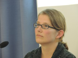 Die Autorin Maria Ecker-Angerer