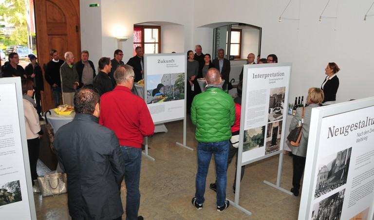 """Ausstellungseröffnung zum """"Tag des Denkmals"""" im September 2017 in der Bezirkshauptmannschaft Bludenz. (Quelle: Christof Thöny)"""