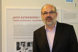 Der Historiker Werner Bundschuh präsentiert neue Ergebnisse zur Täterforschung in Vorarlberg. (Quelle: _erinnern.at_)