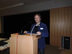 Horst Schreiber führt in die Problematik der Heimerziehung ein