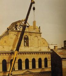 Abriss der Synagoge Krems 1978. (Abbildung aus Frühwirth Hans. Die Doppelstadt Krems-Stein, Ihre Geschichte von 1848 – 2000. Melk 2000, S. 417)