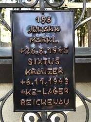Grabkreuz für Opfer des Lagers Reichenau im Soldatenfriedhof Amras (Selina Mittermeier).jpg