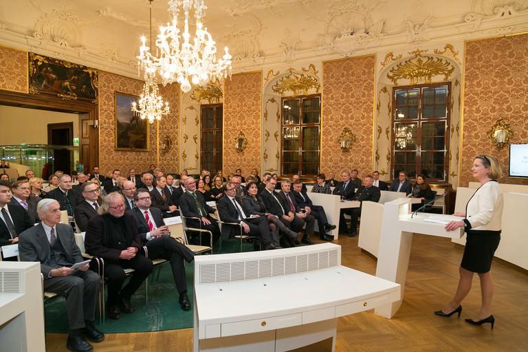 Rund 200 Gäste nahmen an der Gedenkveranstaltung teil.