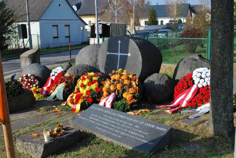 lackenbach Romadenkmal