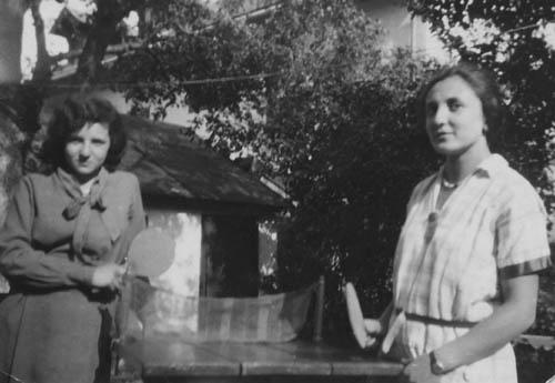 Gundl und Selma Steinmetz. Kaltenleutgeben, Sommer 1930. Foto: Privatbesitz (via doew.at)
