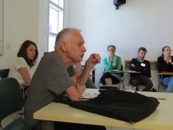 Prof. Jakob Hessing bei seinem Vortrag in Yad Vashem. Links Deborah Hartmann.