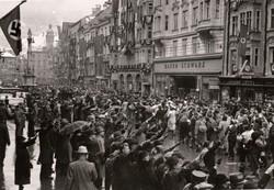 Innsbruck Maria-Theresien-Straße 11.3.1938, 7 Stunden VOR der NS-Machtübernahme (Stadtarchiv Innsbruck).