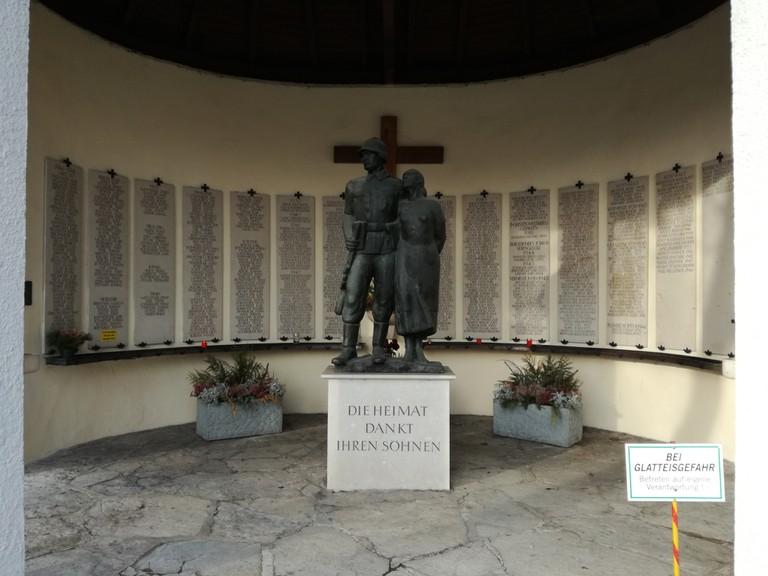 Das Maxglaner Denkmal