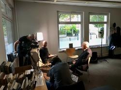Beim Interview für eine Dokumentation von ORF III. (Foto: Johannes Spies)