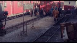 Filmfoto: Am Hohenemser Bahnhof (Copyright: CFILMS)