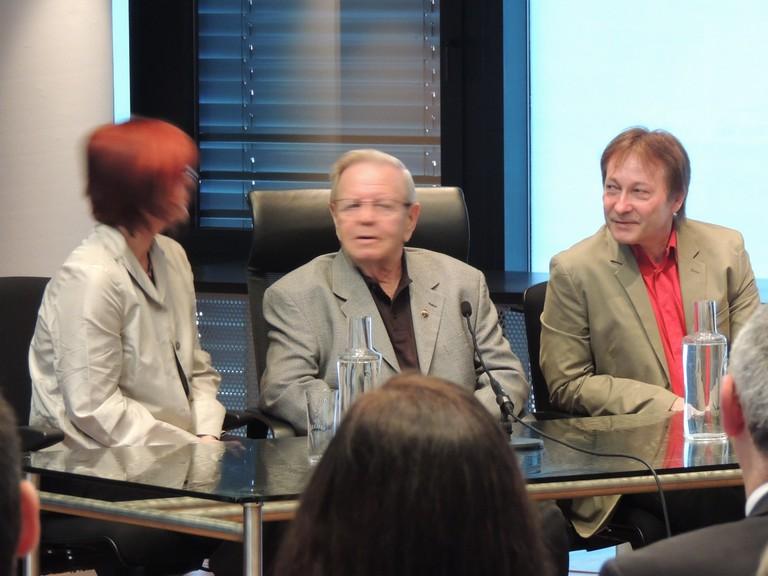 Abraham Gafni mit Irmgard Bibermann und Horst Schreiber