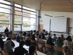 Für die SchülerInnen stellte der Vortrag eine bereichernde Erfahrung dar. (Foto: Johannes Spies)