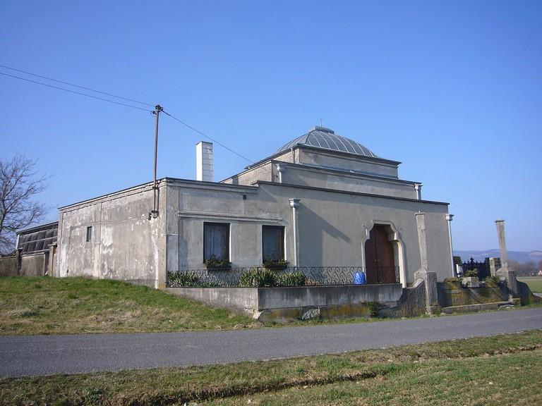 Das Foto zeigt das Taharahaus am jüdischen Friedhof Göttsbach/Ybbs. (CC BY-SA 3.0)