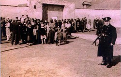 """Auf österreichischem Gebiet war das größte Arbeitslager das """"Zigeuner-Anhalte- und Arbeitslager"""" in Lackenbach (Burgenland) - """"Gypsy Camp Lackenbach""""."""