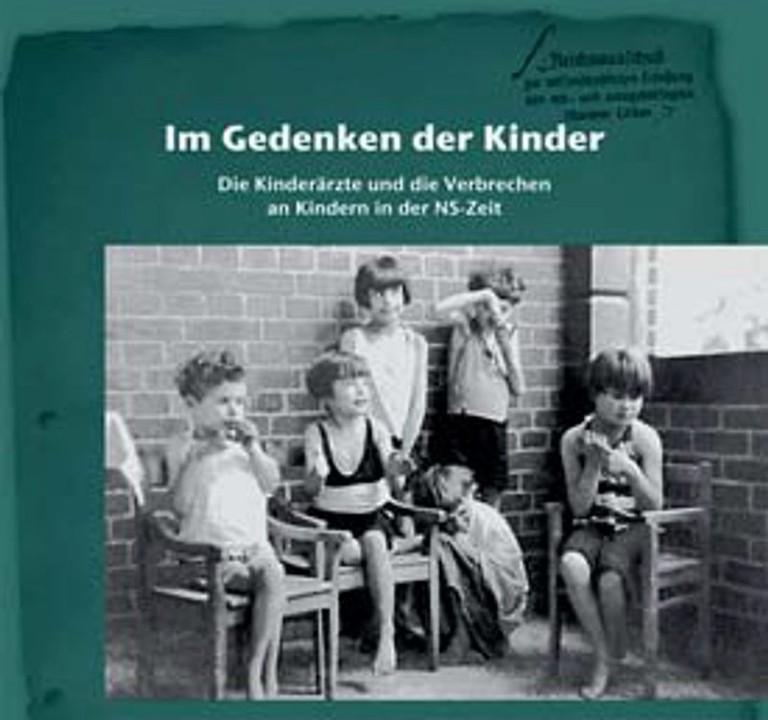 Ausstellung Im Gedenken der Kinder (Deutsches Ärzteblatt).jpg