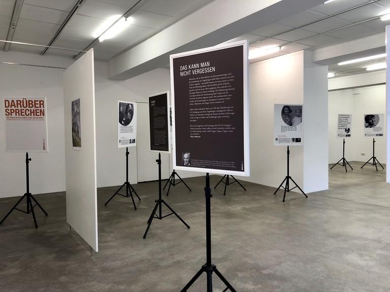 Die Ausstellung basiert auf Interviews mit ZeitzeugInnen. Diese berichten über Diskriminierung und Verfolgung im Nationalsozialismus. (Quelle: Roland Haas)