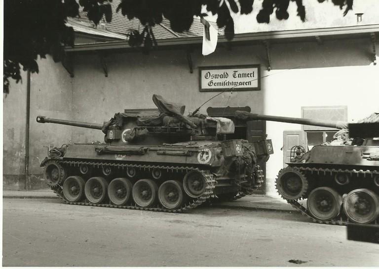 US-Panzer in Silz, Fotograf Oswald Tamerl, Gemeindearchiv Imst
