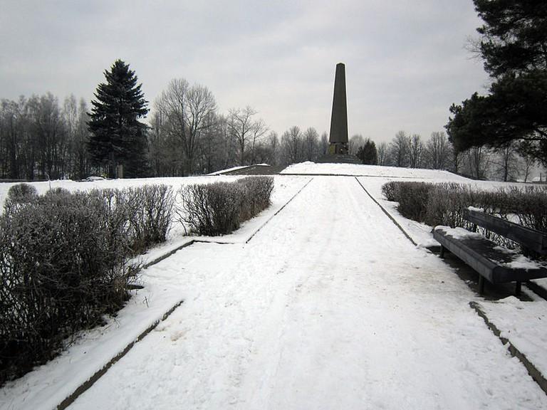 Denkmal in Maly Trostinec (2012, Foto: Homoatrox, CC BY-SA 3.0)