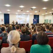 Ca. 170 SchülerInnen und 20 Lehrende nahmen teil