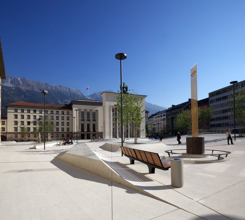 Eduard-Wallnöfer-Platz Innsbruck (Günter Richard Wett).jpeg