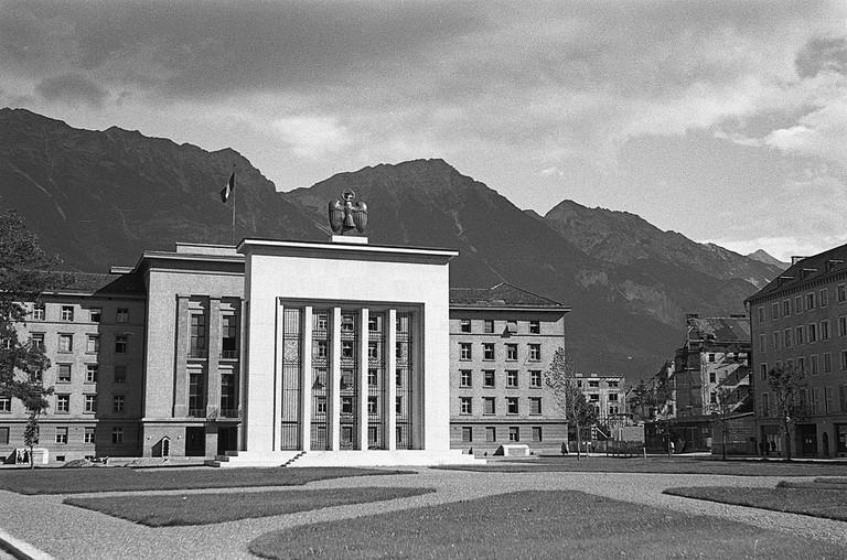 Befreiungsdenkmal um 1948 (Stadtarchiv Innsbruck).jpg